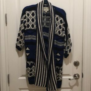 Lucky long Sweater with life size sleeves